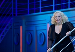 »Anything Goes«: Anna Montanaro als Reno Sweeney