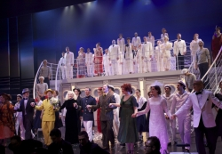 Premiere ANYTHING GOES: Ensemble beim Schlußapplaus