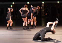 MINUTEMADE Act One - Choreografie Christopher Roman: Ensemble