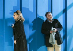 PETER GRIMES: Edith Haller als Ellen Orford, Ashley Holland als Captain Balstrode